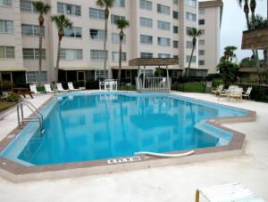 Pool-300x227